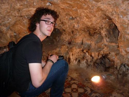 In einer Höhle konnte man seine Gebetsanliegen in einen Briefkasten werfen